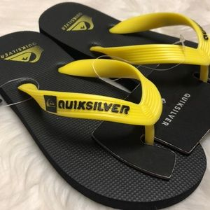 QUICKSILVER KIDS Sz 1 sandals flip flops black NWT